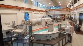 The accelerator mass spectrometer lab at U Ottawa